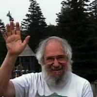 http://dailypapert.com/wp-content/uploads/2012/05/Papert-waving-200x200.png